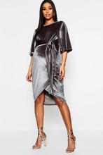 Boohoo | Maternity Velvet Kimono Sleeve Tie Waist Midi | Clouty