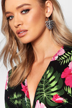 Boohoo | Leaf Earrings | Clouty
