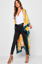 Boohoo | Floral Print Oversized Kimono | Clouty