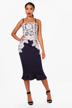 Boohoo   Crochet Lace Panelled Frill Hem Midi Dress   Clouty