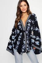 Boohoo | Petite Border Print Kimono Sleeve Wrap Top | Clouty