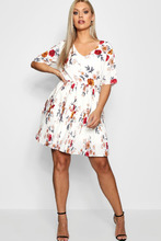 Boohoo | Plus Floral Pleated Skater Dress | Clouty