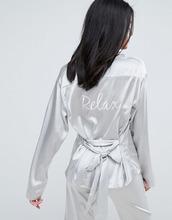 To Be Adored | Атласная шелковая пижамная рубашка To Be Adored Rossy - Серебряный | Clouty