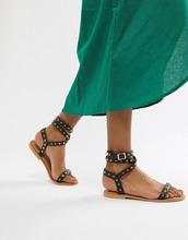 ASOS | Кожаные сандалии с заклепками ASOS DESIGN - Черный | Clouty