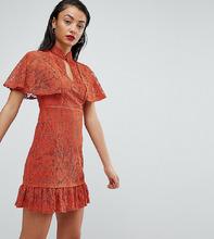 Fashion Union | Платье с высоким воротом и баской Fashion Union Tall - Красный | Clouty