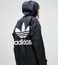 adidas Originals   Черная куртка с капюшоном и логотипом на спине adidas Originals - Черный   Clouty