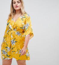 River Island | Платье-кимоно с цветочным принтом и узелком River Island Plus - Желтый | Clouty