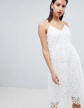 Vila | Кружевное платье на бретелях Vila - Белый | Clouty