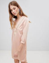 Vila | Платье в спортивном стиле с V-образным вырезом Vila - Розовый | Clouty