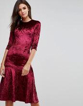 Club L | Бархатное платье миди с оборкой на подоле Club L - Красный | Clouty