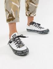CONVERSE | Низкие кроссовки с черно-белым платочным принтом Converse X Miley Cyrus Chuck Taylor All Star - Белый | Clouty