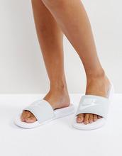 NIKE | Шлепанцы платинового цвета Nike - Серый | Clouty