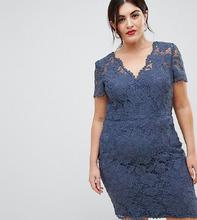 Chi Chi London   Кружевное платье-футляр с запахом Chi Chi London Plus - Синий   Clouty