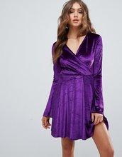 Club L | Короткое приталенное платье с рукавами клеш Club L - Фиолетовый | Clouty