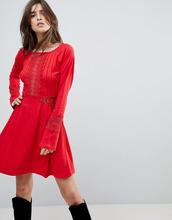 ASOS | Короткое приталенное платье с кружевными вставками ASOS - Красный | Clouty