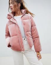 ASOS   Бархатная дутая куртка с высоким воротом ASOS DESIGN - Розовый   Clouty
