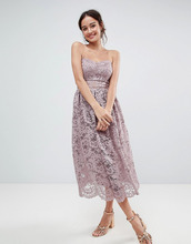 ASOS | Кружевное платье-бандо миди для выпускного ASOS DESIGN - Розовый | Clouty