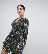 Boohoo   Короткое приталенное платье с цветочным принтом Boohoo Plus - Мульти   Clouty