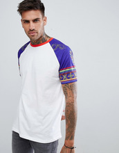 ASOS | Свободная футболка с цветочным и ацтекским принтом на рукавах ASOS DESIGN - Белый | Clouty