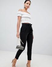 Lipsy   Черные брюки с поясом Lipsy - Черный   Clouty
