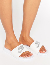 NIKE | Белые шлепанцы с логотипом Nike Benassi - Черный | Clouty