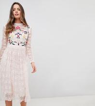 Короткое приталенное премиум-платье для выпускного с вышивкой Frock An
