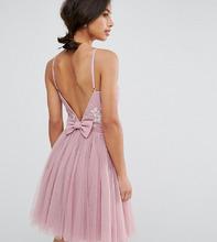 Little Mistress | Платье мини для выпускного из тюля с декорированным верхом и бантом на спине Little Mistress Petite - Розовый | Clouty