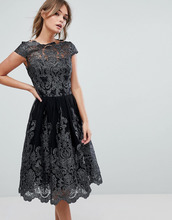 Chi Chi London | Кружевное платье с асимметричным краем Chi Chi London Premium - Черный | Clouty
