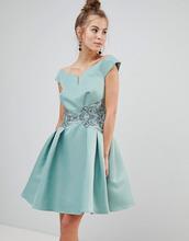 Little Mistress   Платье для выпускного со спущенными плечами и вышивкой цвета металлик   Clouty