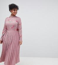 Little Mistress | Платье с вышивкой и плиссированной юбкой Little Mistress Plus - Розовый | Clouty