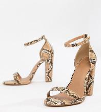 ASOS | Босоножки для широкой стопы на каблуке со змеиным принтом ASOS DESIGN | Clouty