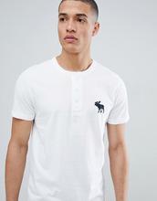 Abercrombie & Fitch   Белая футболка хенли с логотипом Abercrombie & Fitch - Белый   Clouty