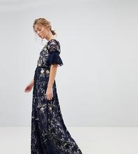 Frock And Frill | Кружевное платье макси с цветочной вышивкой и рукавами клеш Frock And | Clouty