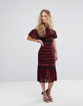Foxiedox | Кружевное платье миди с открытыми плечами и баской Foxiedox - Красный | Clouty