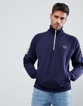 Fred Perry | Темно-синяя куртка с отделкой лентой и короткой молнией Fred Perry Sports Authentic - Темно-синий | Clouty