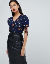 Fashion Union | Блузка с завязками и цветочным принтом Fashion Union - Темно-синий | Clouty