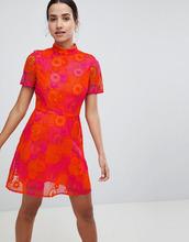 ASOS | Свободное платье мини из кружева кроше ASOS DESIGN - Мульти | Clouty