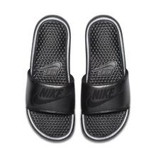 NIKE | Женские шлепанцы Nike Benassi Metallic QS | Clouty