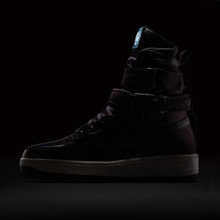 NIKE | Женские кроссовки Nike SF Air Force 1 SE Premium Force Is Female | Clouty