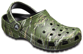 Crocs | Classic Graphic Clog | Clouty