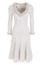 Blumarine | Приталенное платье-миди с отделкой из меха норки Blumarine | Clouty