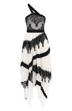 GIVENCHY | Платье асимметричного кроя с оборками и кружевной отделкой Givenchy | Clouty