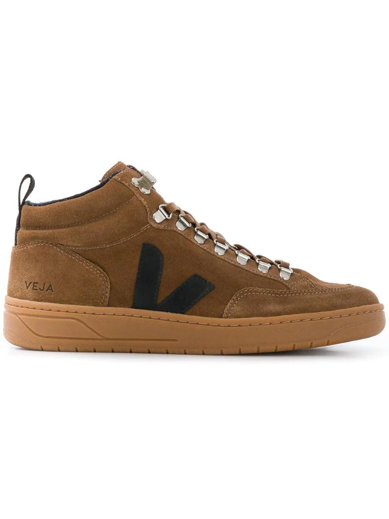 Veja | кроссовки в стилистике ботинок для хайкинга | Clouty