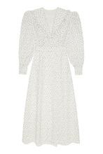 Ulyana Sergeenko | Белое платье из шелка с принтом | Clouty