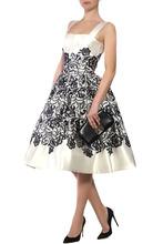 Dolce & Gabbana   Платье с контрастным кружевным узором   Clouty