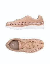 NIKE | NIKE Низкие кеды и кроссовки Женщинам | Clouty
